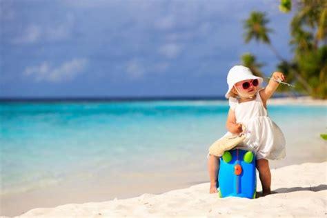 cose da portare in vacanza 10 cose da portare in vacanza con i bambini
