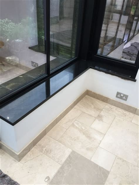 schwarze fensterbank installation of premium black granite window sills