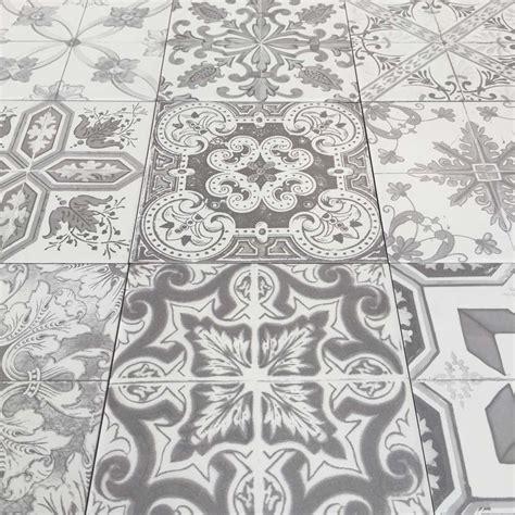 Nikea Sephia mix pattern tile set by Yurtbay 20x20 cm