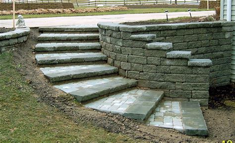 Retaining Wall Stairs Design Curved Retaining Wall Ideas The Tread Was Built Using Moss Creta Wall Capstone And A Custom