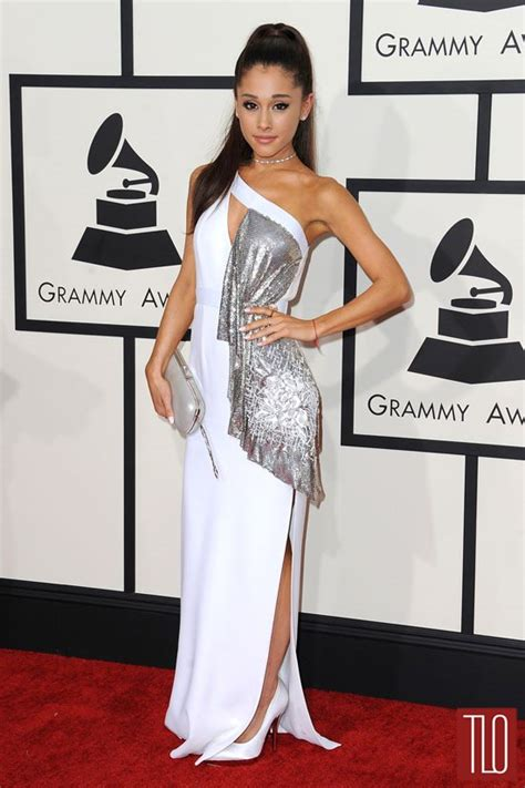 2015 grammy awards red carpet upi com grammys 2015 ariana grande in versace tom lorenzo