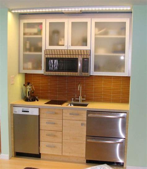 25  best ideas about Mini Kitchen on Pinterest   Compact kitchen, Tiny kitchens and Kitchenette