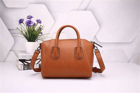 Givenchy Antigona 25cm Semi Premium collectionbatam tas givenchy antigona platinum plate 2in1 coklat muda semi ori