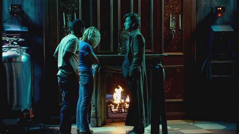 2x04 the in the fireplace doctor who image