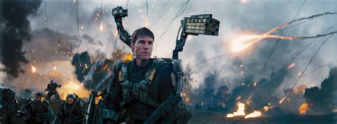 film tom cruise invasion looking forward to tom cruise s edge of tomorrow here