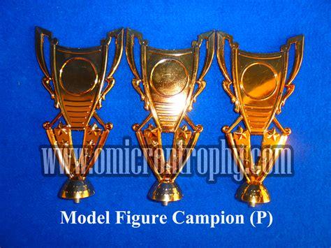 Piala Trophy Kaki 2 Bagus Dan Murah agen piala trophy murah jual sparepart piala plastik surabaya