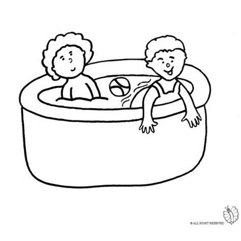 piscia a letto disegno di bambini in piscina da colorare per bambini