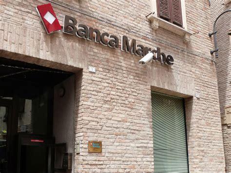 banche a pesaro banche arriva la tassa sui salvataggi bancari marche