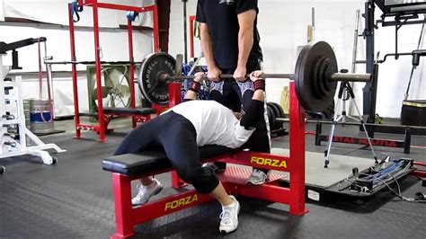 guy benches 500 pounds laura phelps sweatt raw bench 10 22 09 youtube