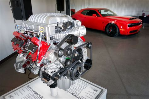 charger hellcat engine 100 charger hellcat engine 1 000 horsepower 2016