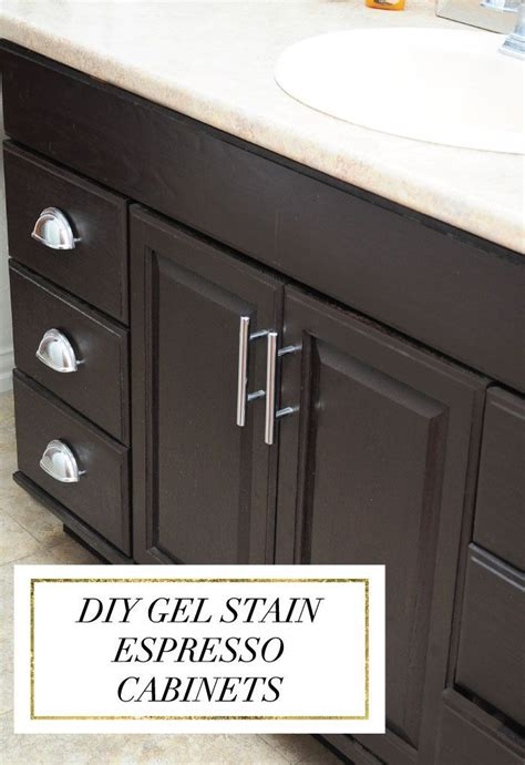 how to lighten oak cabinets 25 best ideas about stain cabinets on pinterest