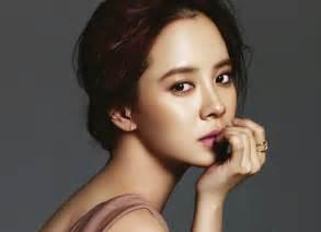 Song ji hyo parts ways with c jes confirmed to have broken up with