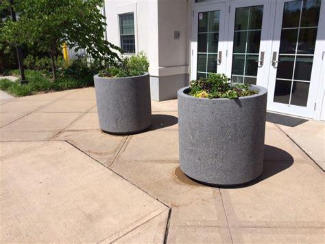 concrete planter w toe kick site furnishings
