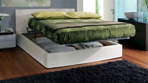 chatodax letti contenitore il letto imbottito nella da letto chateau d ax