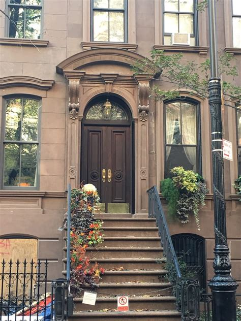 local appartments carrie bradshaw s apartment 13 photos local flavour