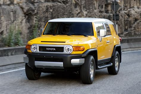 toyota fj toyota to add fj cruiser suv to australian lineup