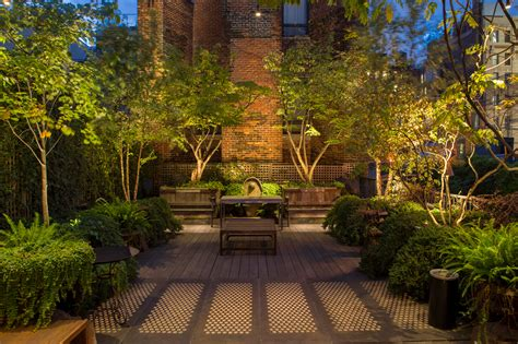 who makes the best landscape lighting go for the glow the best landscape lighting boston