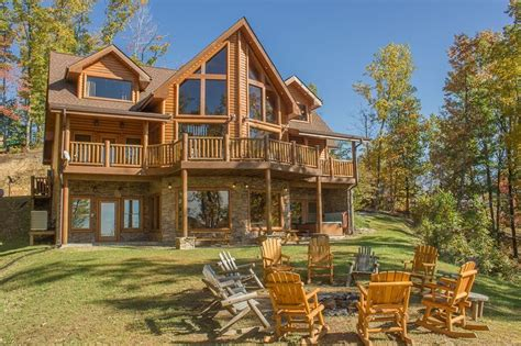 Luxury Cabin Rentals In Gatlinburg Tn by 1000 Ideas About Luxury Log Cabins On Luxury