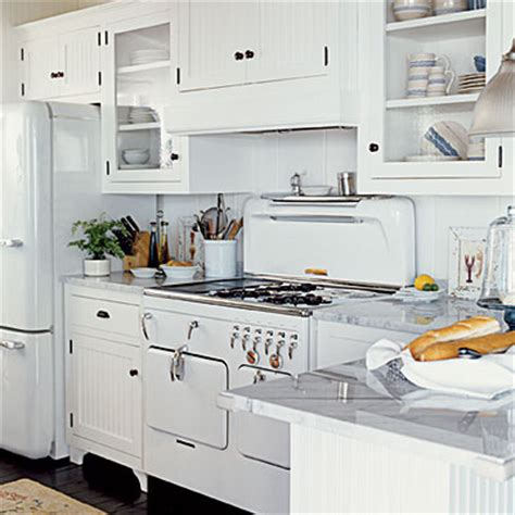 kitchen vintage appliances   White   Traditional   Kitchen
