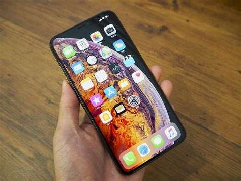 iphone xs maxに触れる 大画面 なのに コンパクト なギャップ萌え engadget 日本版