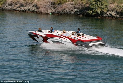 boating accident colorado 13 hurt and four missing after colorado river boat crash