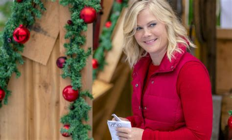 who is lodge owner sophie in christmas at holly lodge on