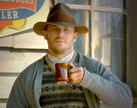 forrest bondurant hairstyle tom hardy looks like a really built sips in lawless sips