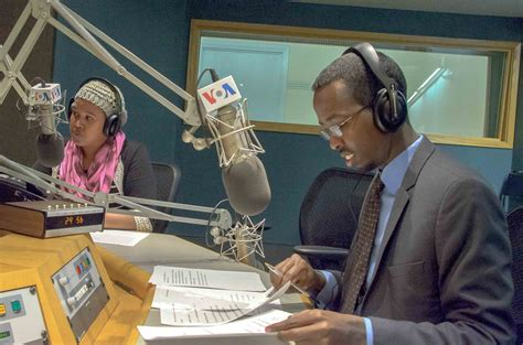 voa news programs new voa radio program for somali youth bbg