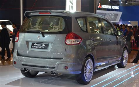 New Suzuki Ertiga Spoiler Model Original Jsl Colour By Request ertiga luxury and ertiga sporty concepts displayed at iims