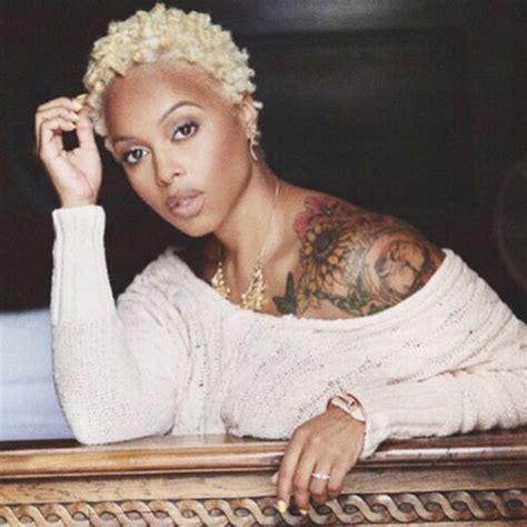 black lady with short natural platinum hair chrisette michele dyes her afro platinum blonde black