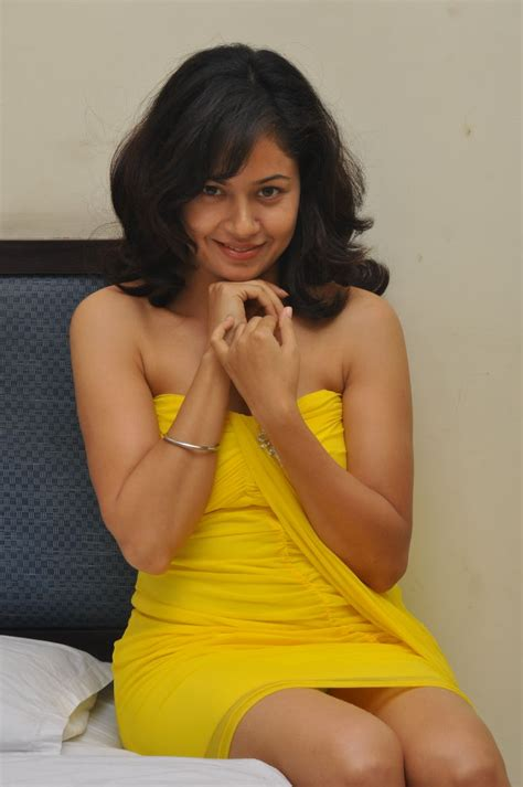 indian sexy cute model tv actress janvi chheda sexy image anupoorva spicy new south indian actress in yellow dress
