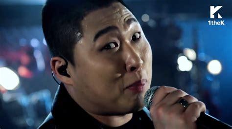 swings rapper rapper swings gives powerful live performance of
