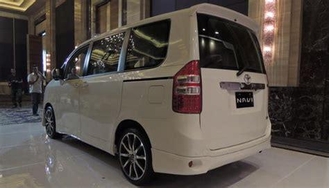 Jual Lu Led Mobil Di Balikpapan jual mobil bekas second murah eksterior toyota nav1