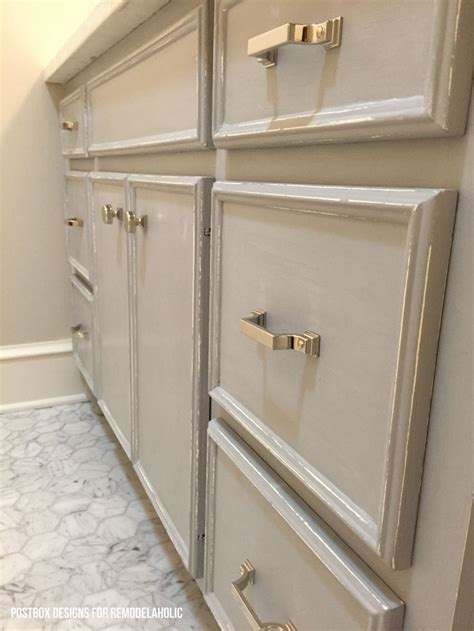 chalk paint in bathroom 1000 ideas about bathroom vanity makeover on pinterest