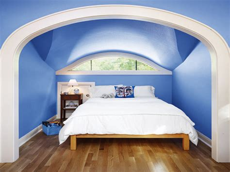 lavish blue ceiling and wall painted with large master white covers bed on wooden flooring as