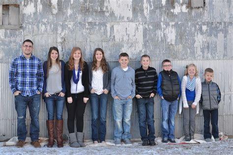 family photo color schemes grandkids pose blue gray black navy white color scheme