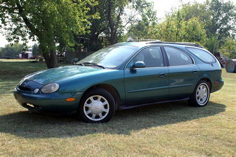 green ford station wagon file 1996 ford taurus gl station wagon jpg wikimedia commons