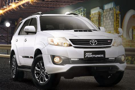 Cover Toyota New Fortuner Kualitas Import 2013 toyota fortuner image gallery autocar india