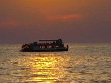 lake michigan boat tours boat tours or excursions along the lake michigan shoreline