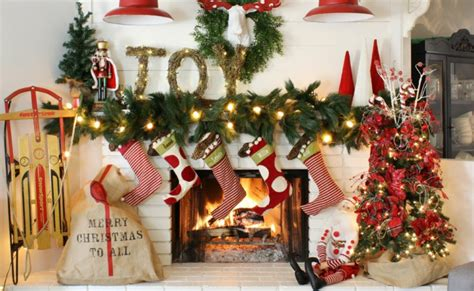 ghirlande natalizie per camino addobbi natalizi fai da te idee e soluzioni da copiare
