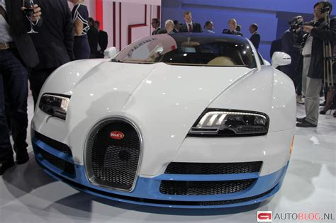 light blue bugatti veyron bugatti veyron gsv bianco new light blue