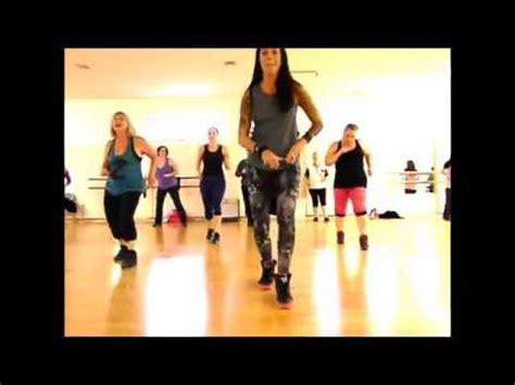 zumba swing song zumba 174 dance fitness merengue la duena del swing