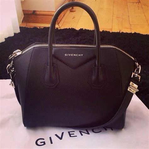 L Is Vuitton Antigona givenchy medium antigona bag in shiny black leather