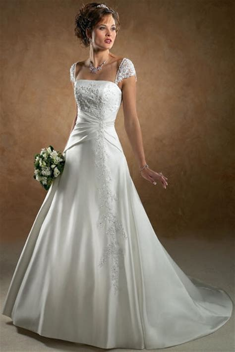 perfect autumn wedding dresses bavarian wedding