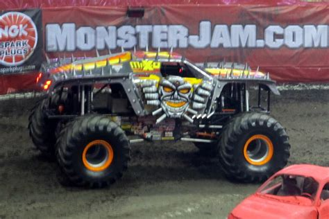 maximum destruction monster truck videos monster truck wikipedia the free encyclopedia html autos