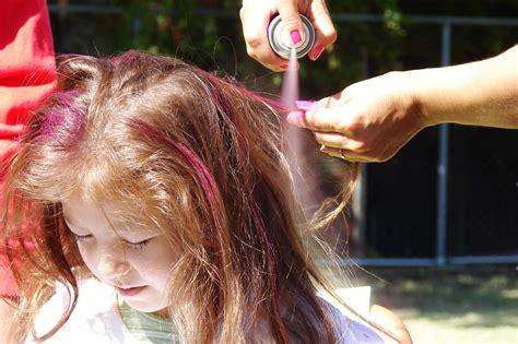 spray paint in hair file hair spray painting 6415 jpg wikimedia commons
