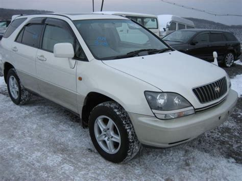 1999 toyota harrier pictures