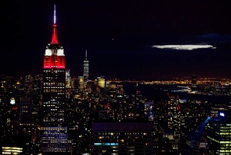 T St Kulot Yankee Maroon the empire state building lit in lafayette s maroon and