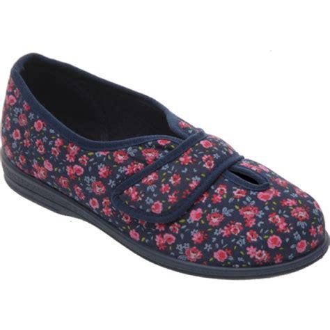 slippers for swollen cosy slipper for swollen