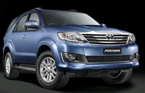 On Road Price Toyota Fortuner Toyota Fortuner Diesel 3 0l 4x4 Manual Price Specs